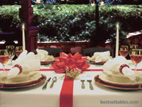 Red White and Bow Table Decor